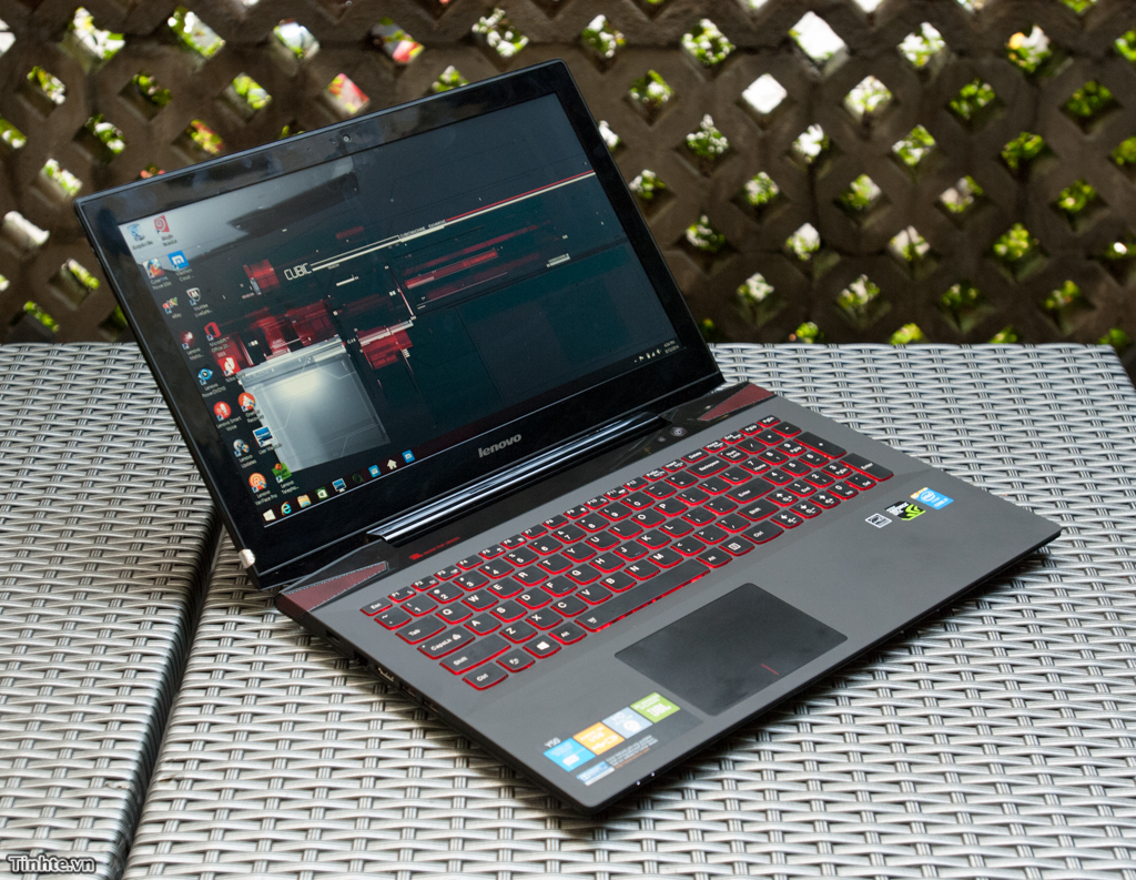 Lenovo ra mắt IdeaPad Y50, laptop Core i7 cho game thủ